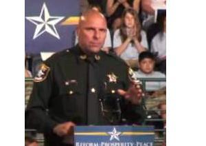 Sheriff speaks at Palin
